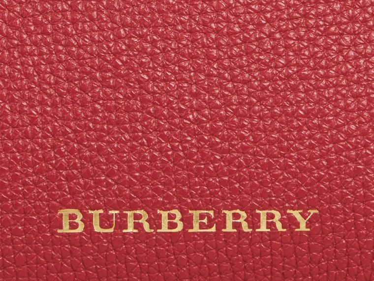 Borsa The Baby Banner in pelle con motivo House check (Rosso Bruno) - Donna | Burberry - cell image 1