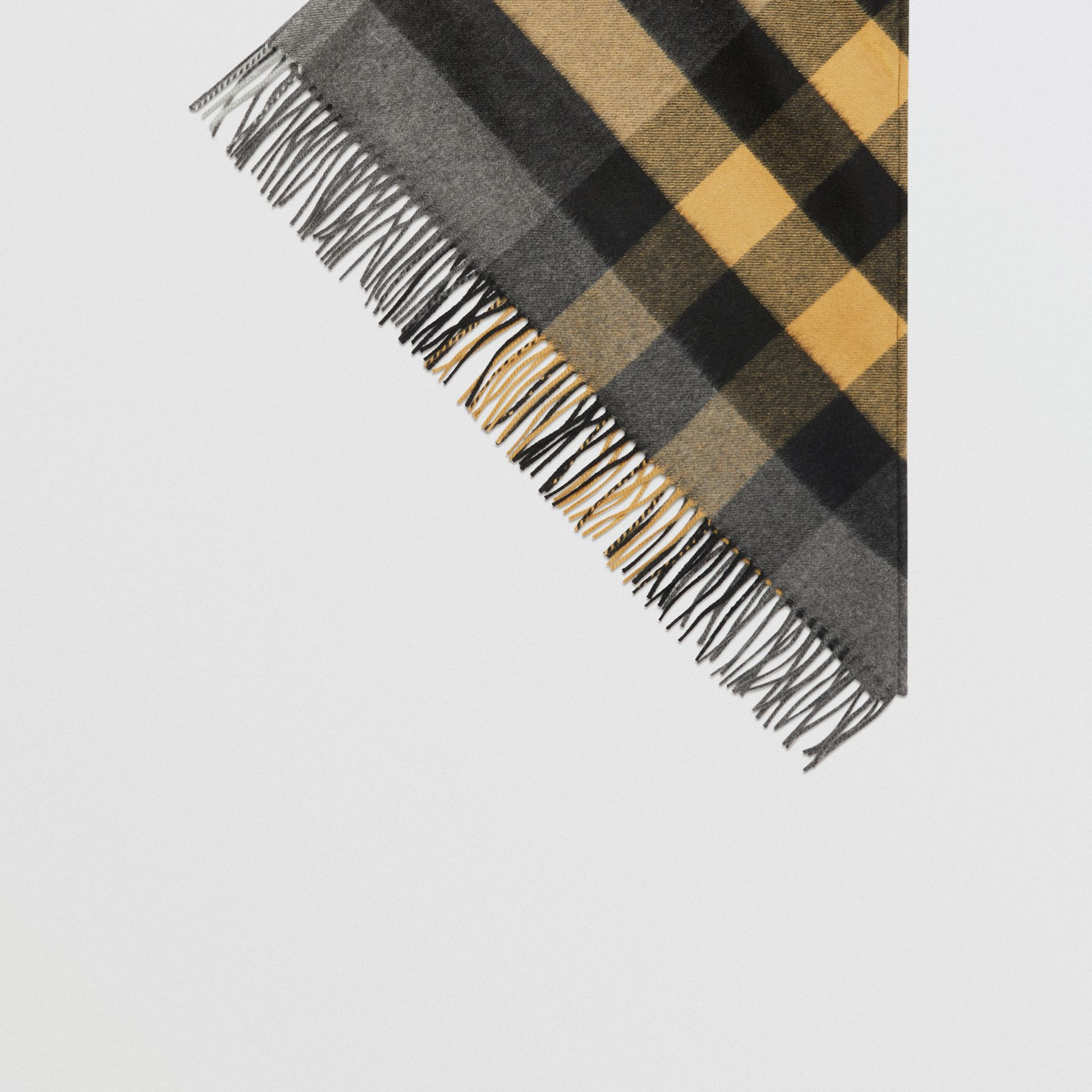 The Burberry Bandana in Check Cashmere in Mid Grey | Burberry Hong Kong - gallery image 4