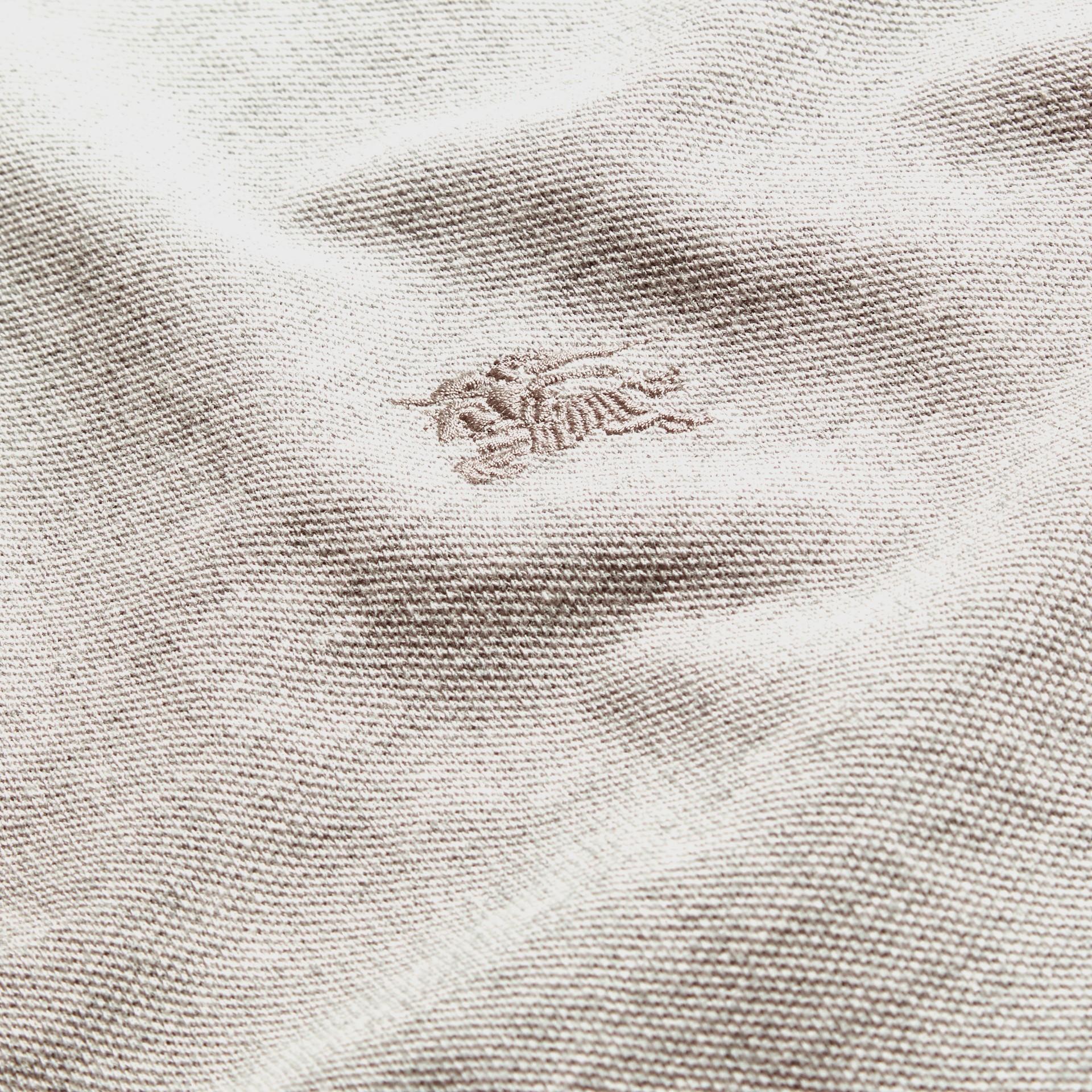 Mezcla de gris pálido Polo de manga larga con tira de botones a checks Mezcla  Gris Pálido - imagen de la galería 2