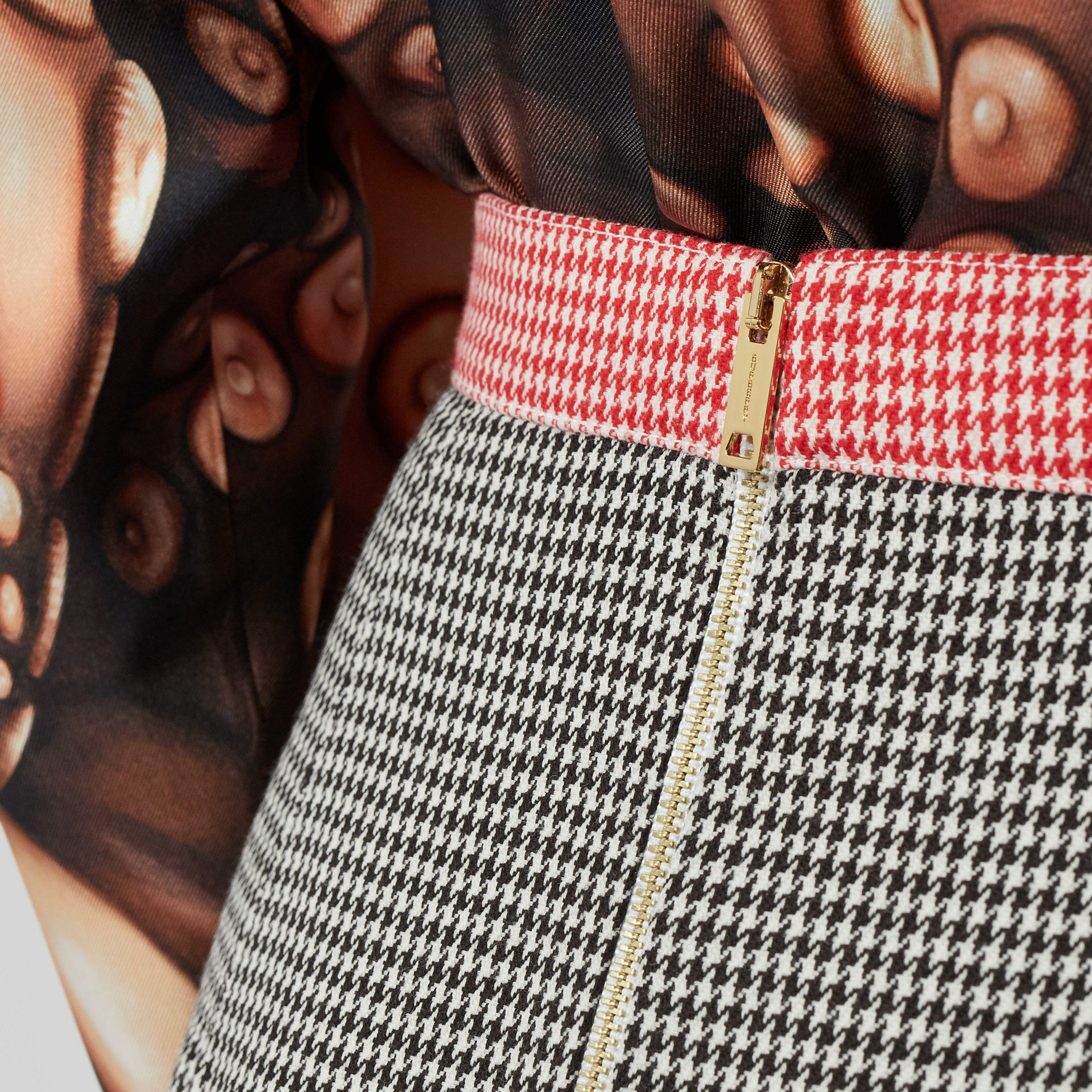Two-tone Houndstooth Check Wool Pencil Skirt in Bright Red - Women | Burberry - gallery image 4