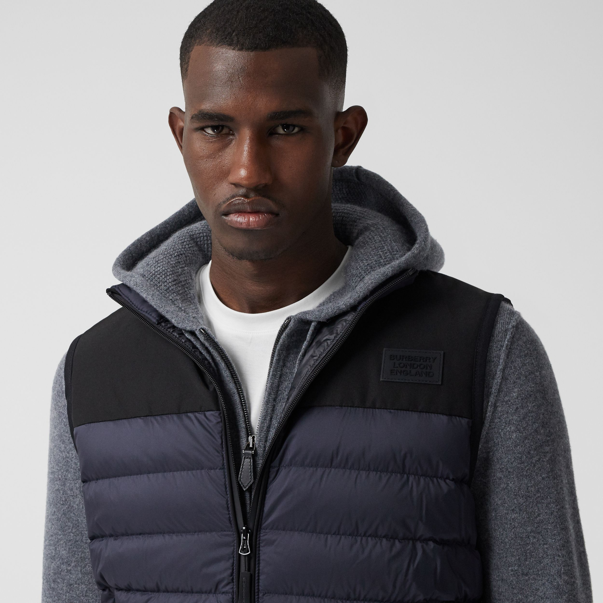 Logo Appliqué Lightweight Puffer Gilet in Navy - Men | Burberry - 2