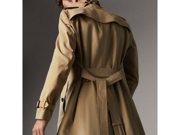 The Chelsea – Long Trench Coat in Honey - Men | Burberry - cell image 4
