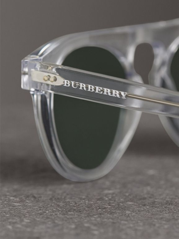 The Keyhole Round Frame Sunglasses in Crystal/green | Burberry - cell image 1