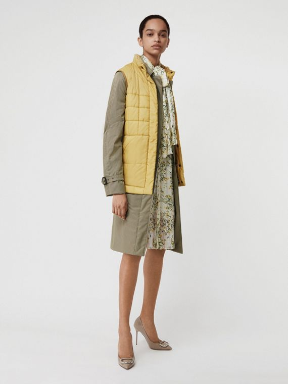 Faux Shearling Collar Lightweight Quilted Gilet in Yellow Quartz