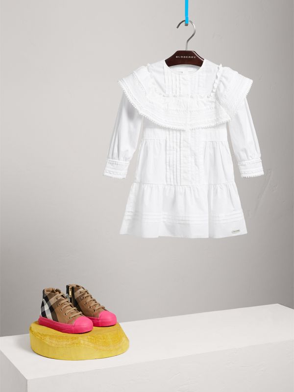 Lace Detail Pleated Cotton Dress in White - Children | Burberry - cell image 2