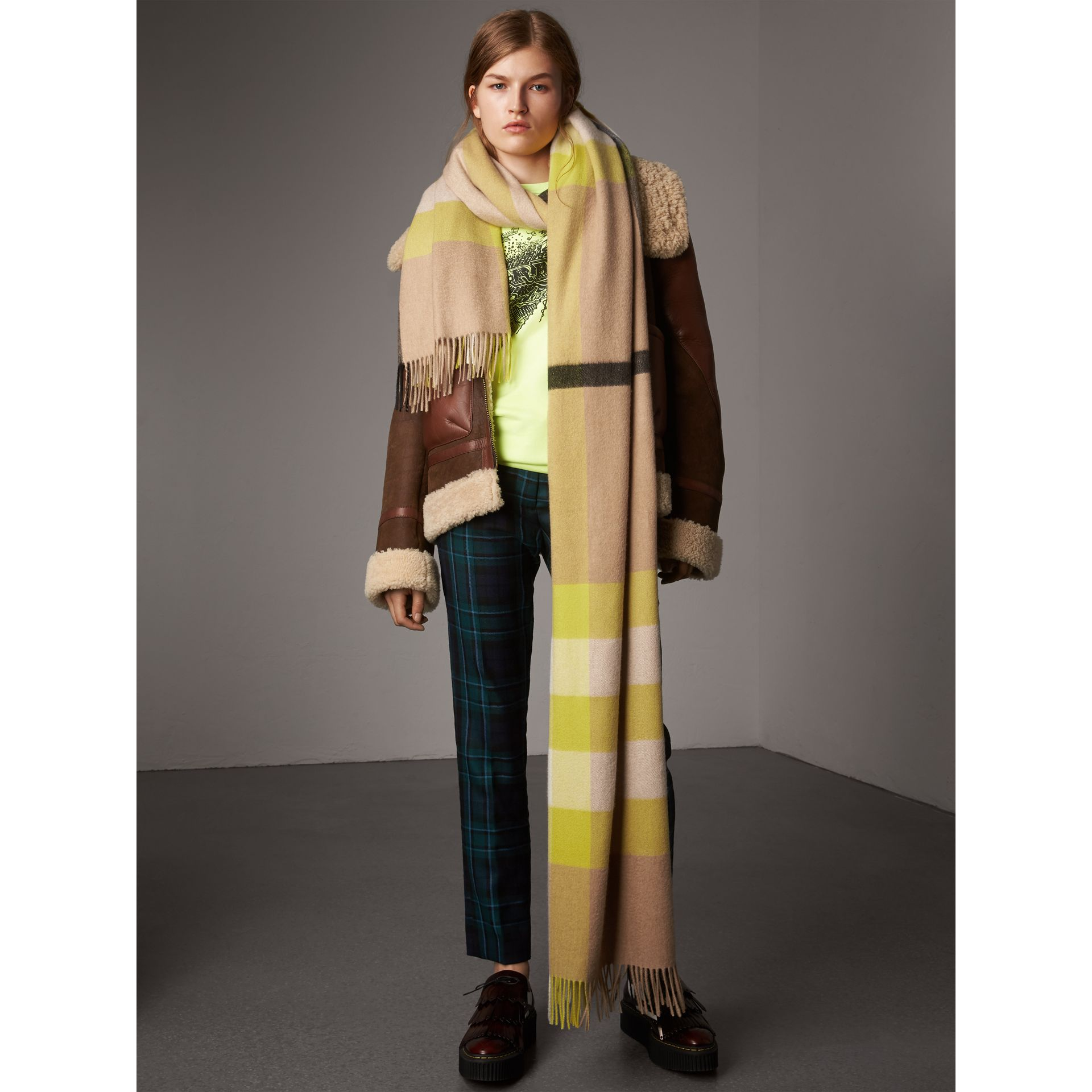 Oversize Check Cashmere Scarf in Bright Lemon | Burberry United Kingdom - gallery image 3