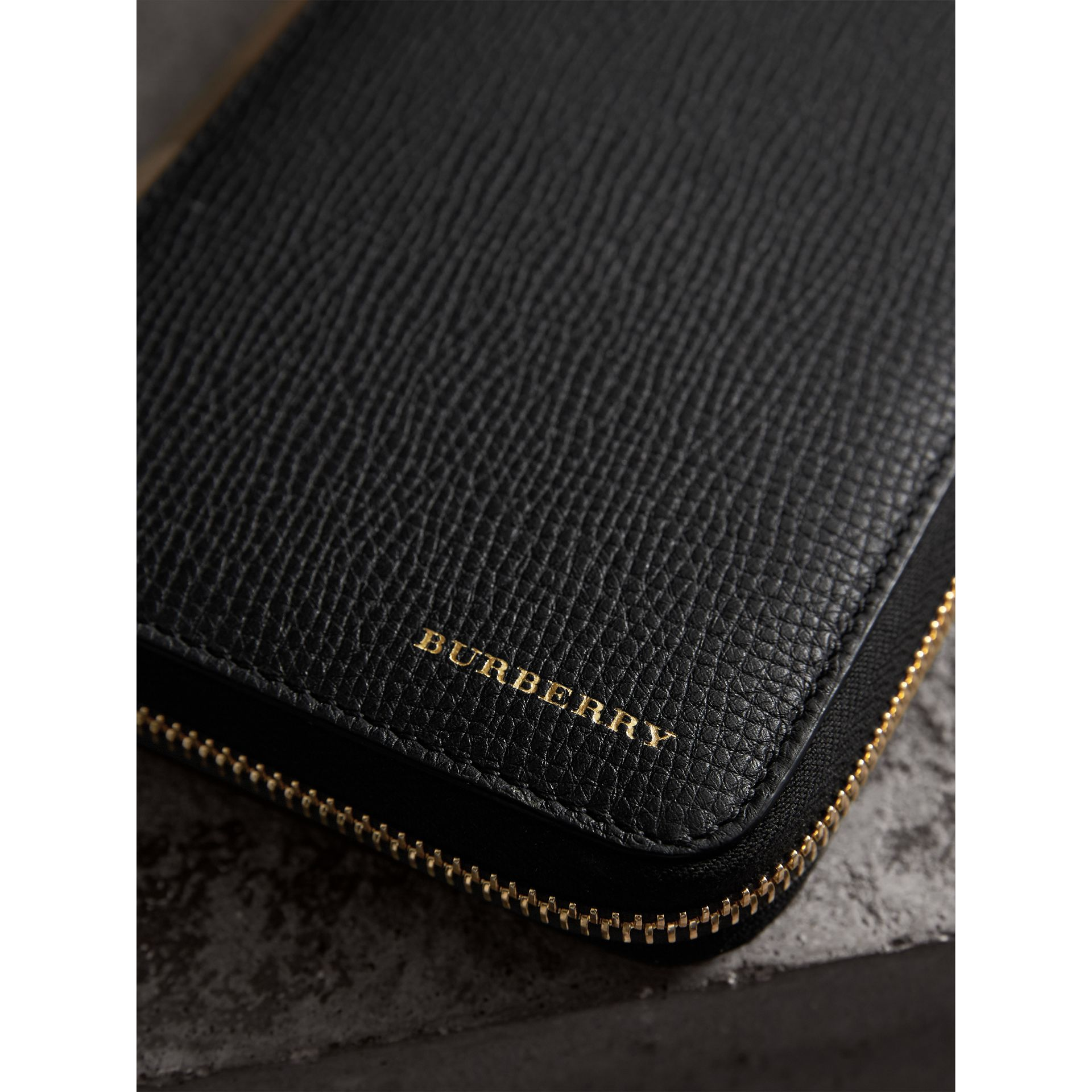 House Check and Grainy Leather Ziparound Wallet in Black | Burberry United States - gallery image 4
