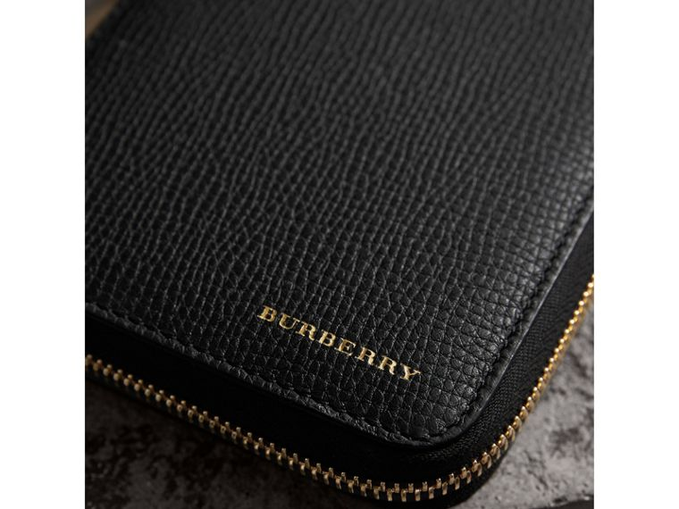 House Check and Grainy Leather Ziparound Wallet in Black | Burberry - cell image 4