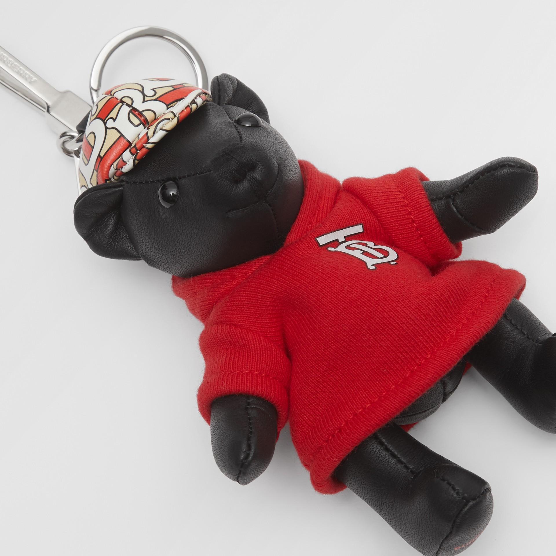 Брелок: медвежонок Томас в худи с монограммой Burberry (Черный / Красный) - Для женщин | Burberry - изображение 1