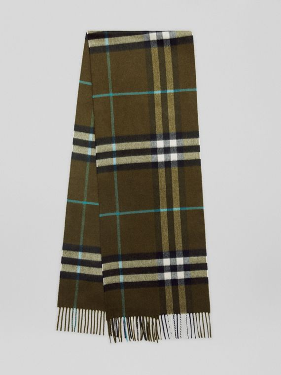 The Classic Cashmere Scarf in Check in Antique Green