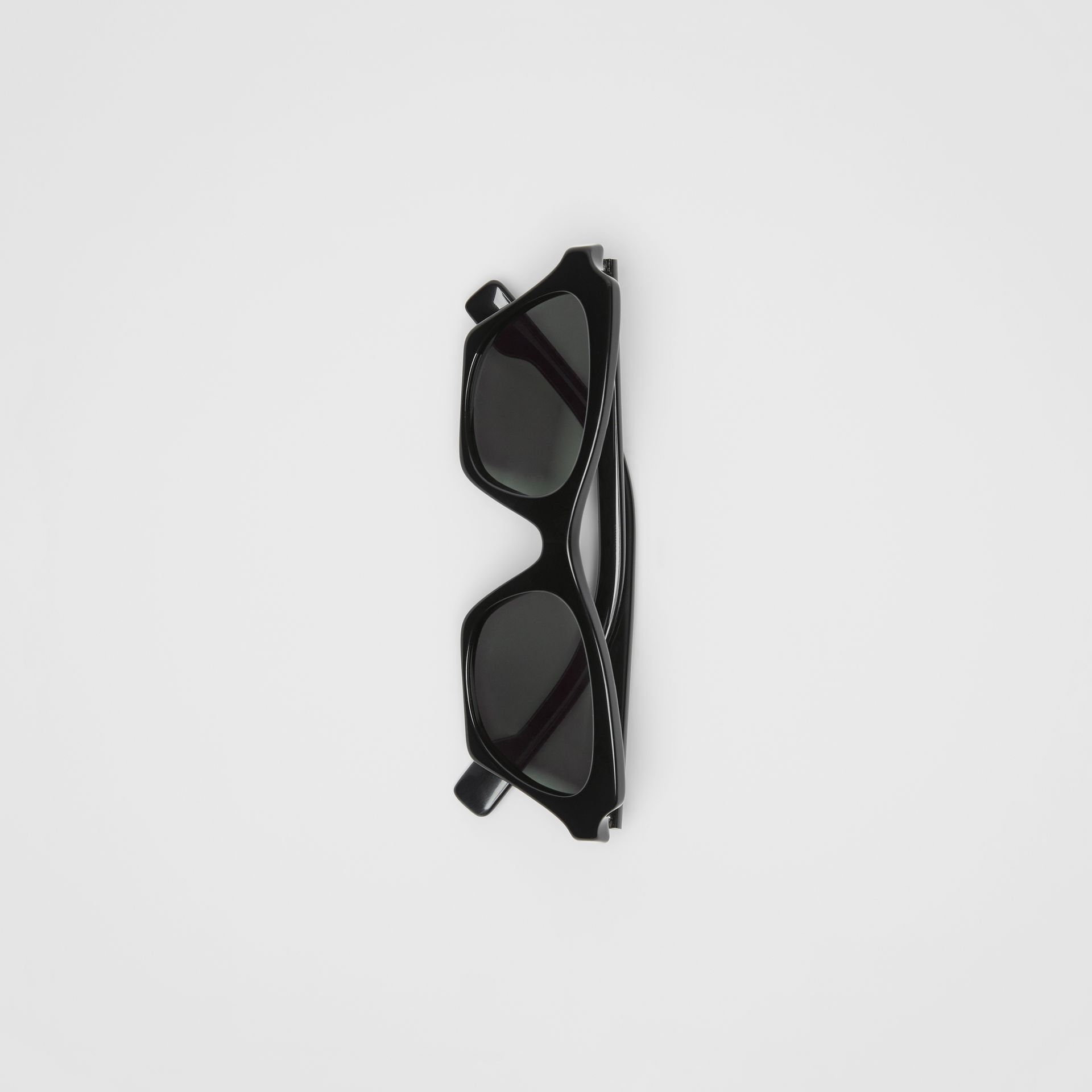 Butterfly Frame Sunglasses in Black - Women | Burberry United Kingdom - gallery image 3