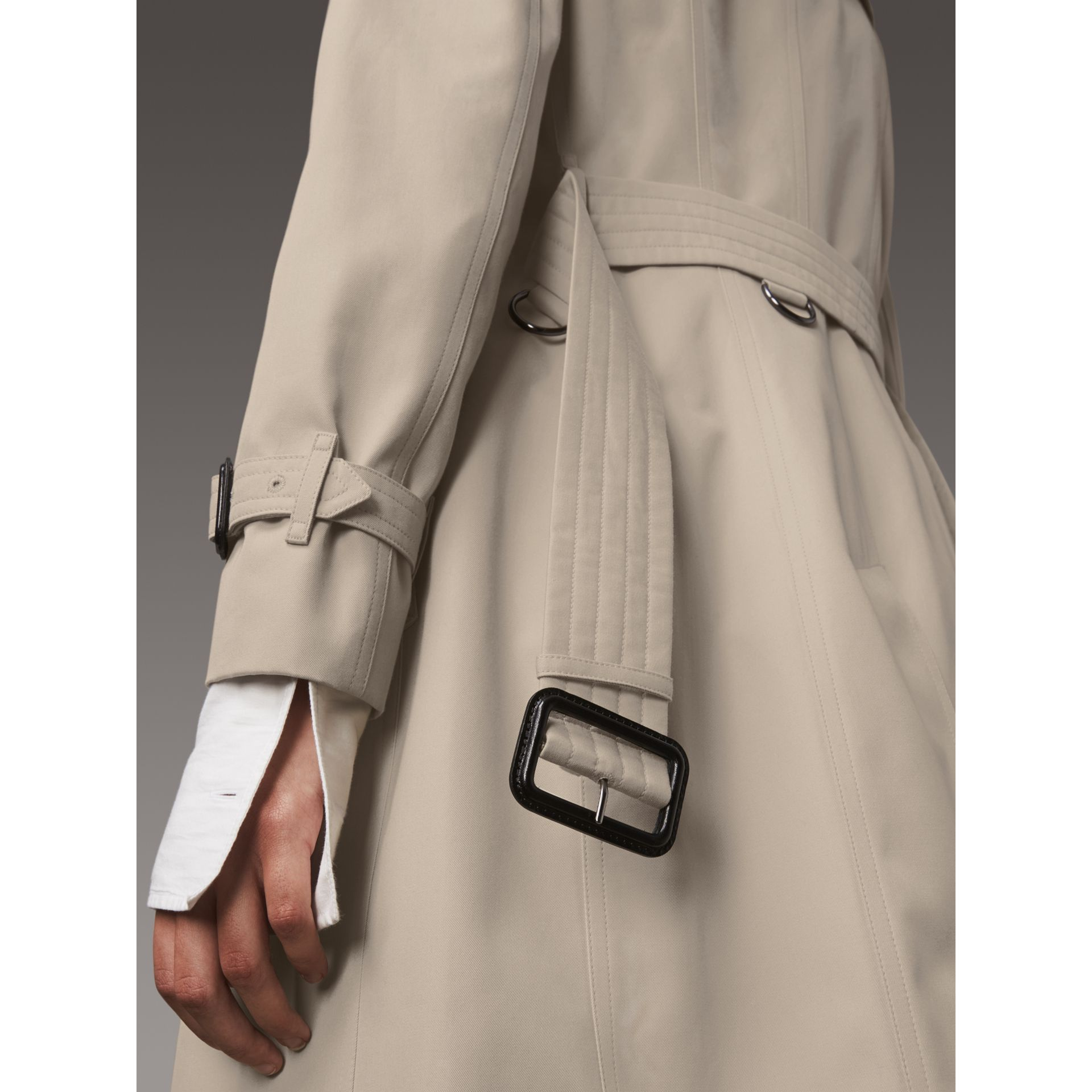 The Chelsea – Long Trench Coat in Stone - Women | Burberry - gallery image 5
