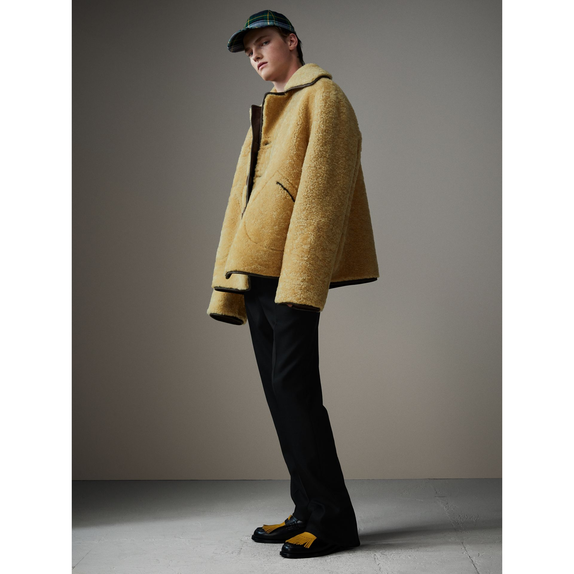 Relaxed Fit Shearling and Lambskin Jacket in Chocolate/light Citrus - Men | Burberry Singapore - gallery image 5
