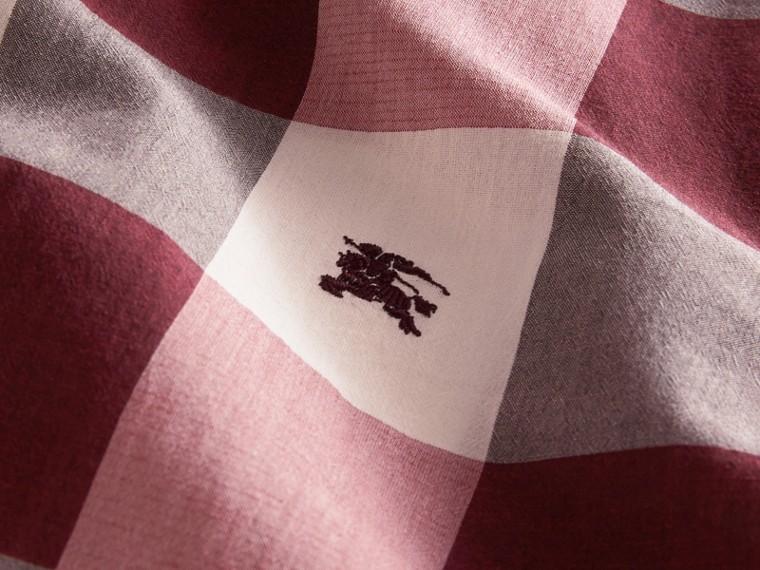 Short-sleeved Exploded Gingham Cotton Linen Shirt Plum Pink - cell image 1