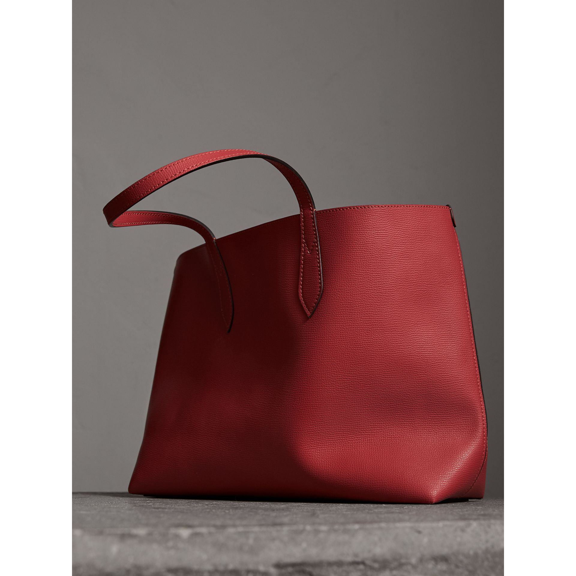 The Medium Reversible Tote in Haymarket Check and Leather in Coral Red - Women | Burberry - gallery image 4