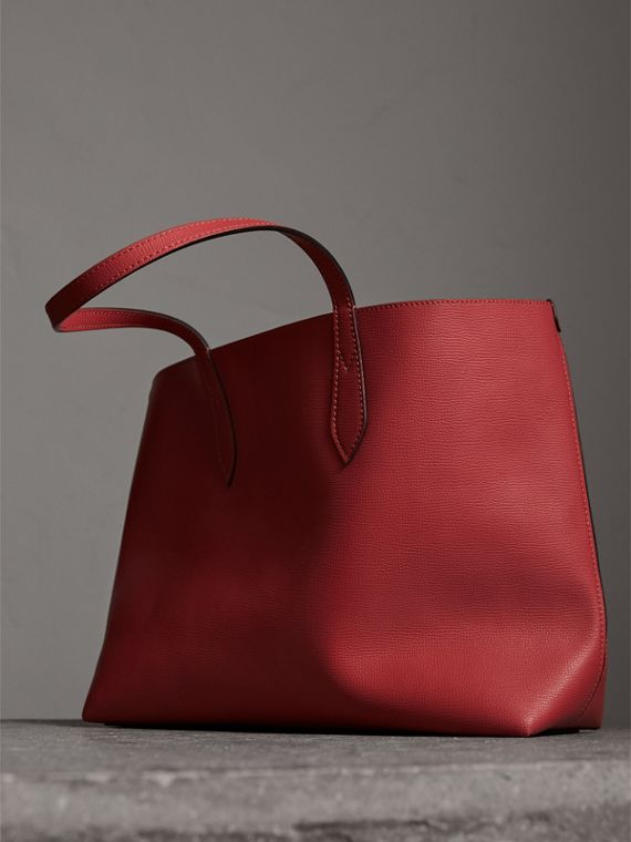 The Medium Reversible Tote in Haymarket Check and Leather in Coral Red - Women | Burberry - cell image 3
