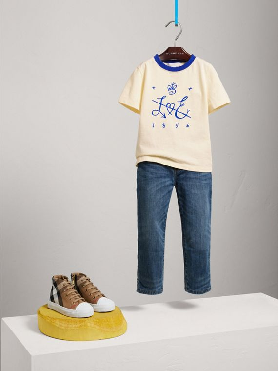 Flocked Emblem Cotton T-shirt in Natural White - Girl | Burberry - cell image 2