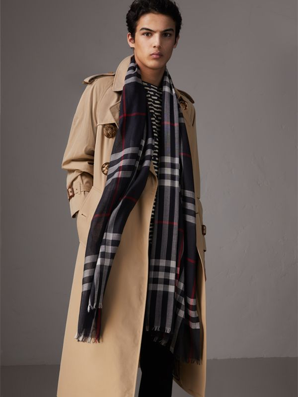 Lightweight Check Wool and Silk Scarf in Navy | Burberry Australia - cell image 3