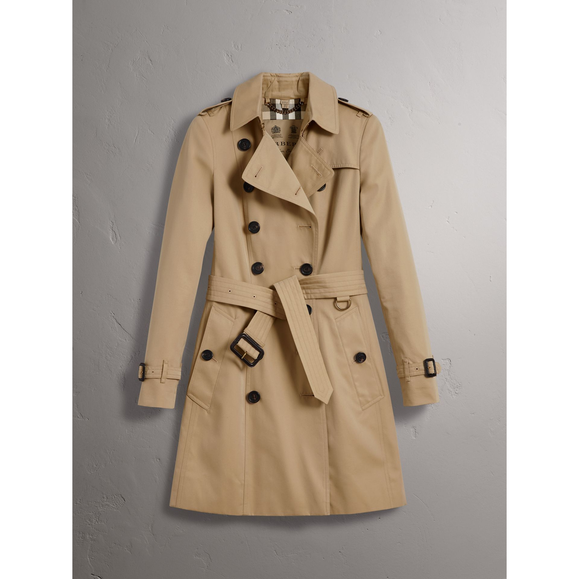 The Chelsea – Mid-length Trench Coat in Honey - Women | Burberry Singapore - gallery image 4