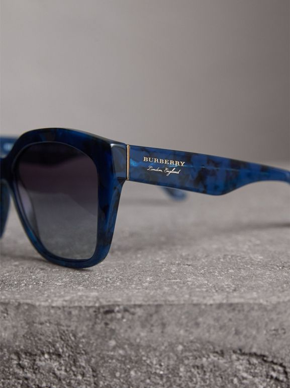 Square Frame Sunglasses in Blue - Women | Burberry Hong Kong - cell image 1