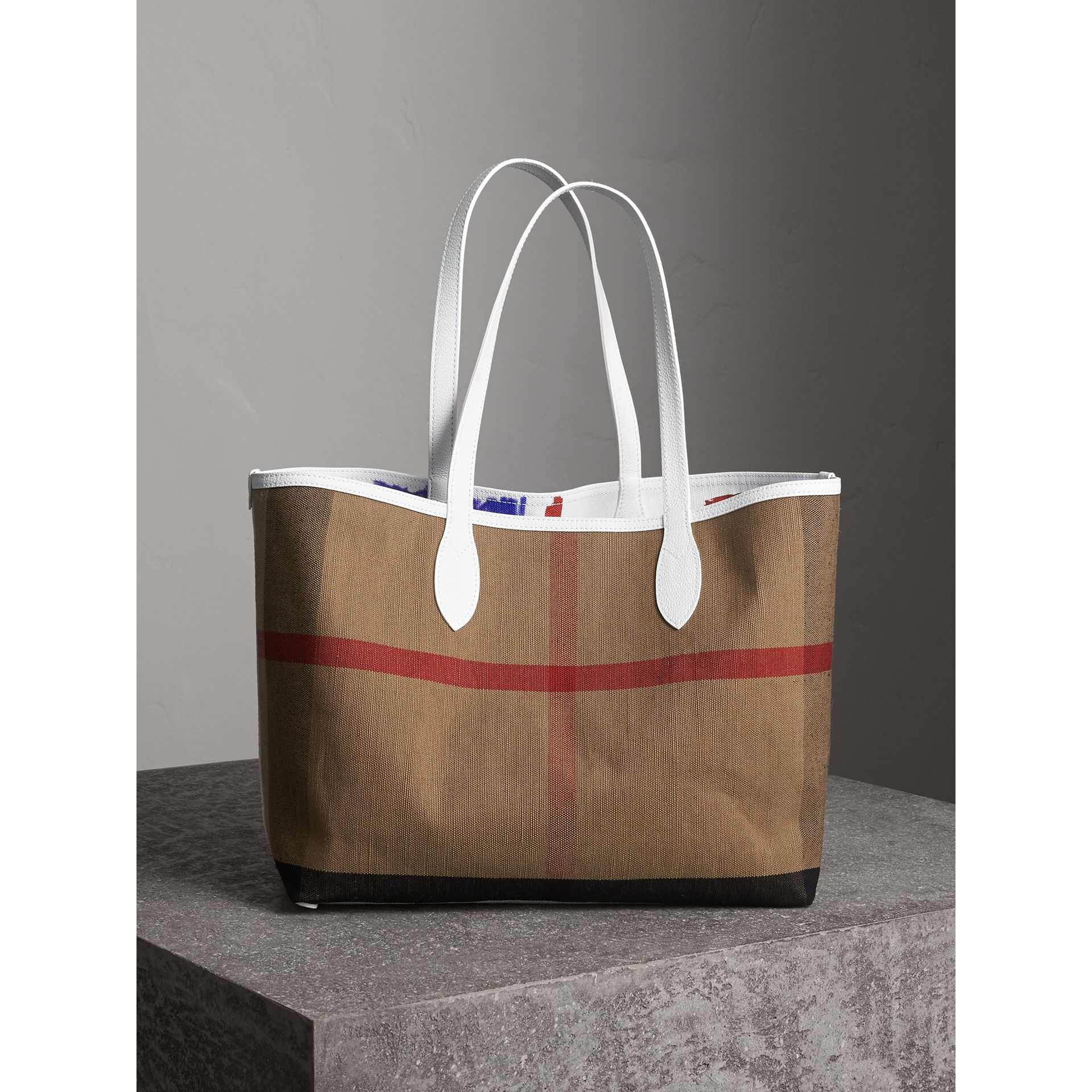 The Medium Reversible Doodle Tote in White | Burberry United States - gallery image 7