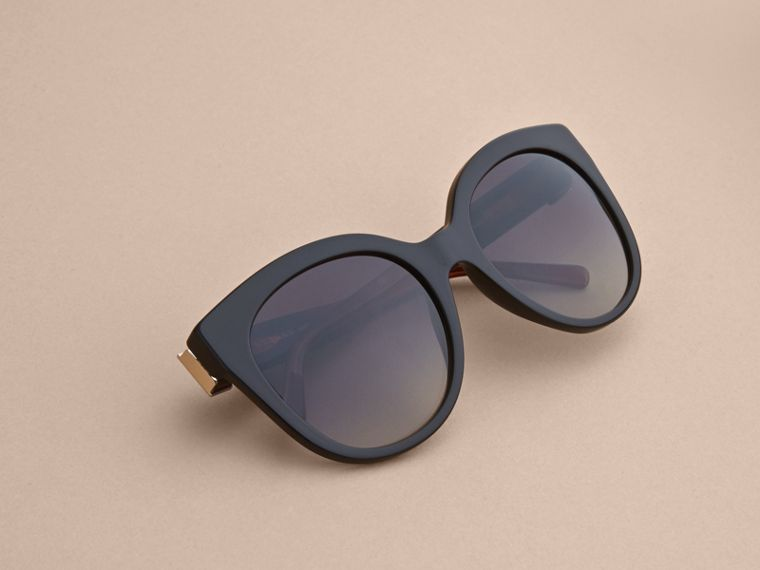 Buckle Detail Cat-eye Frame Sunglasses in Black - Women | Burberry - cell image 4