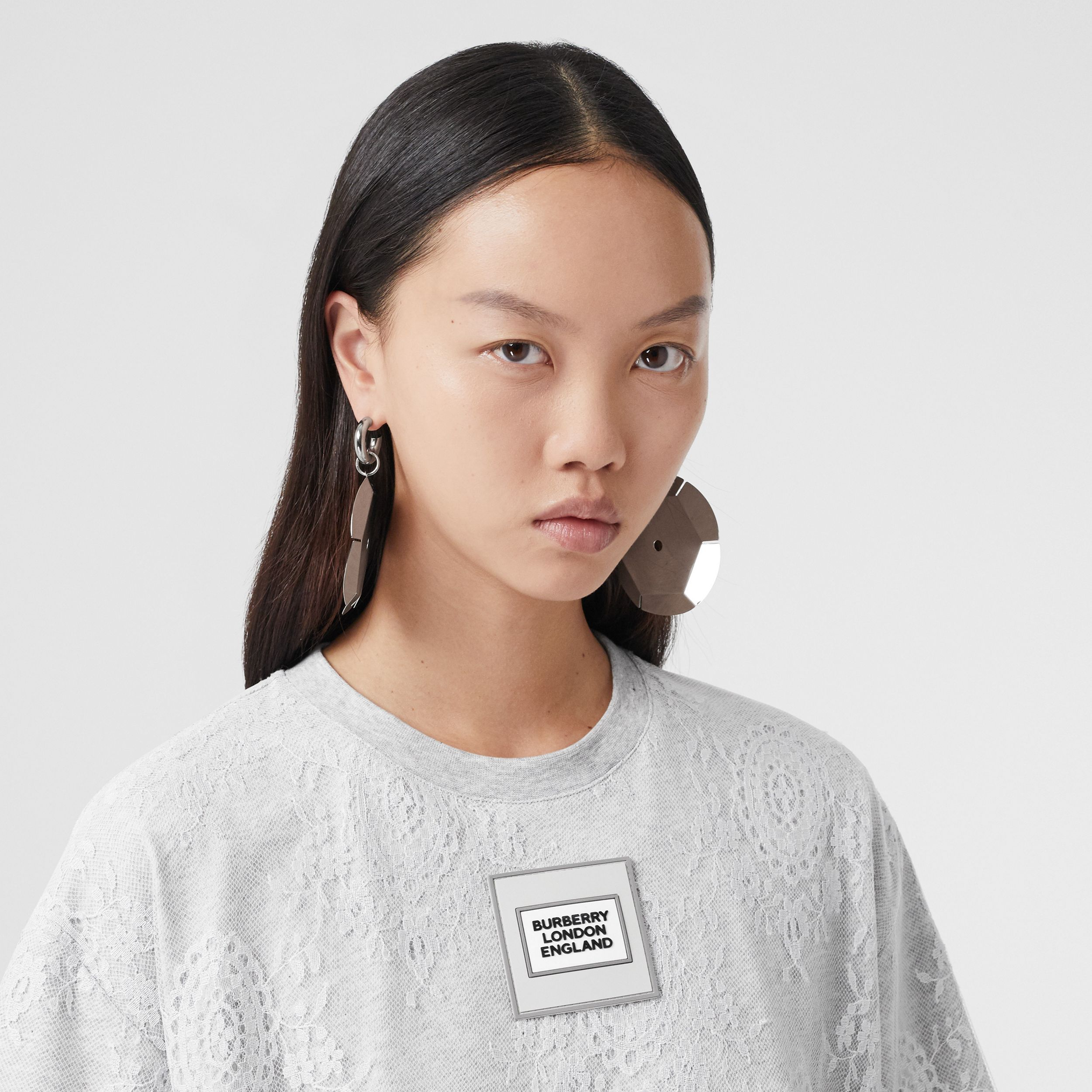Logo Appliqué Lace Oversized T-shirt in Light Pebble Grey - Women | Burberry - 2