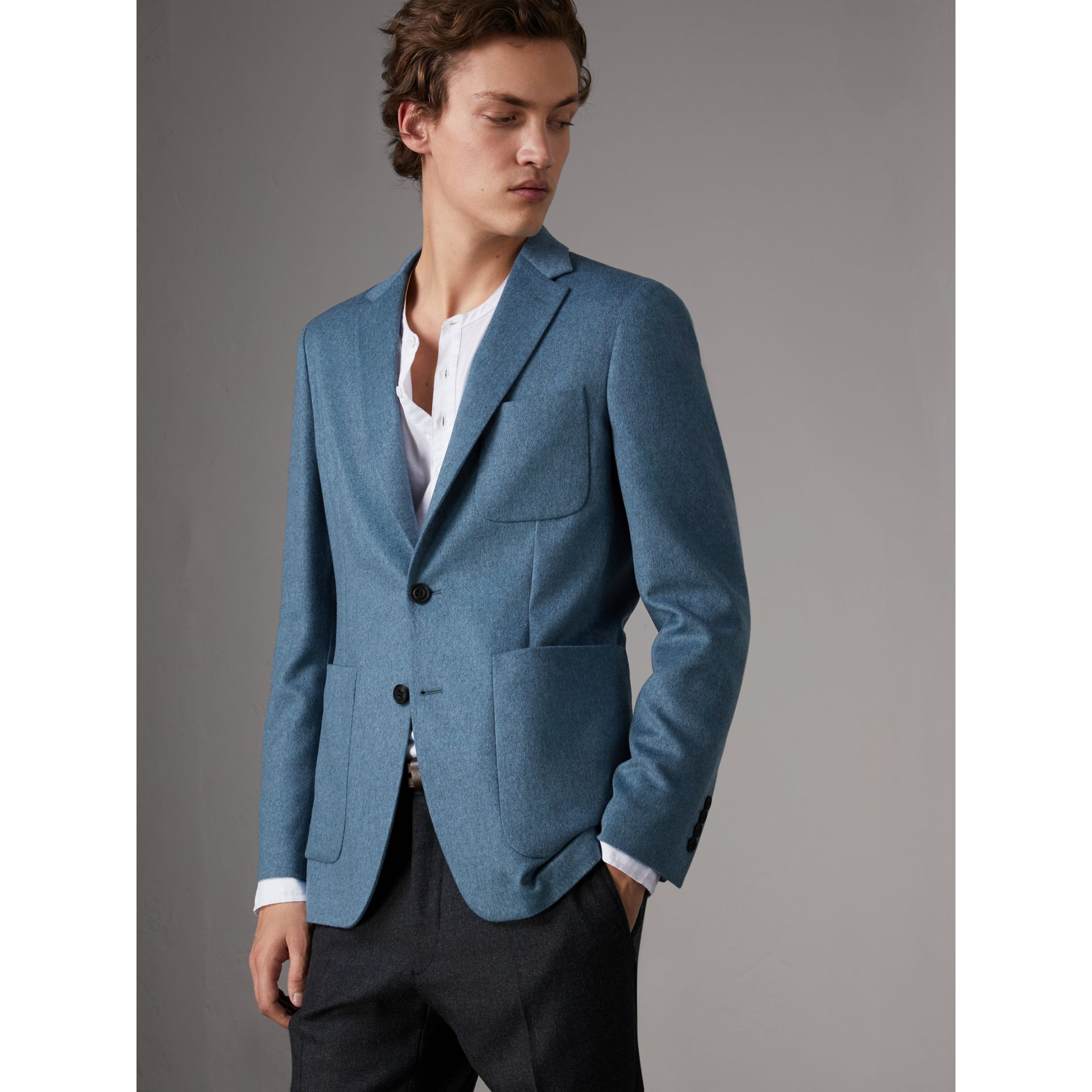 Soho Fit Lightweight Cashmere Tailored Jacket in Slate Blue Melange - Men | Burberry - gallery image 7
