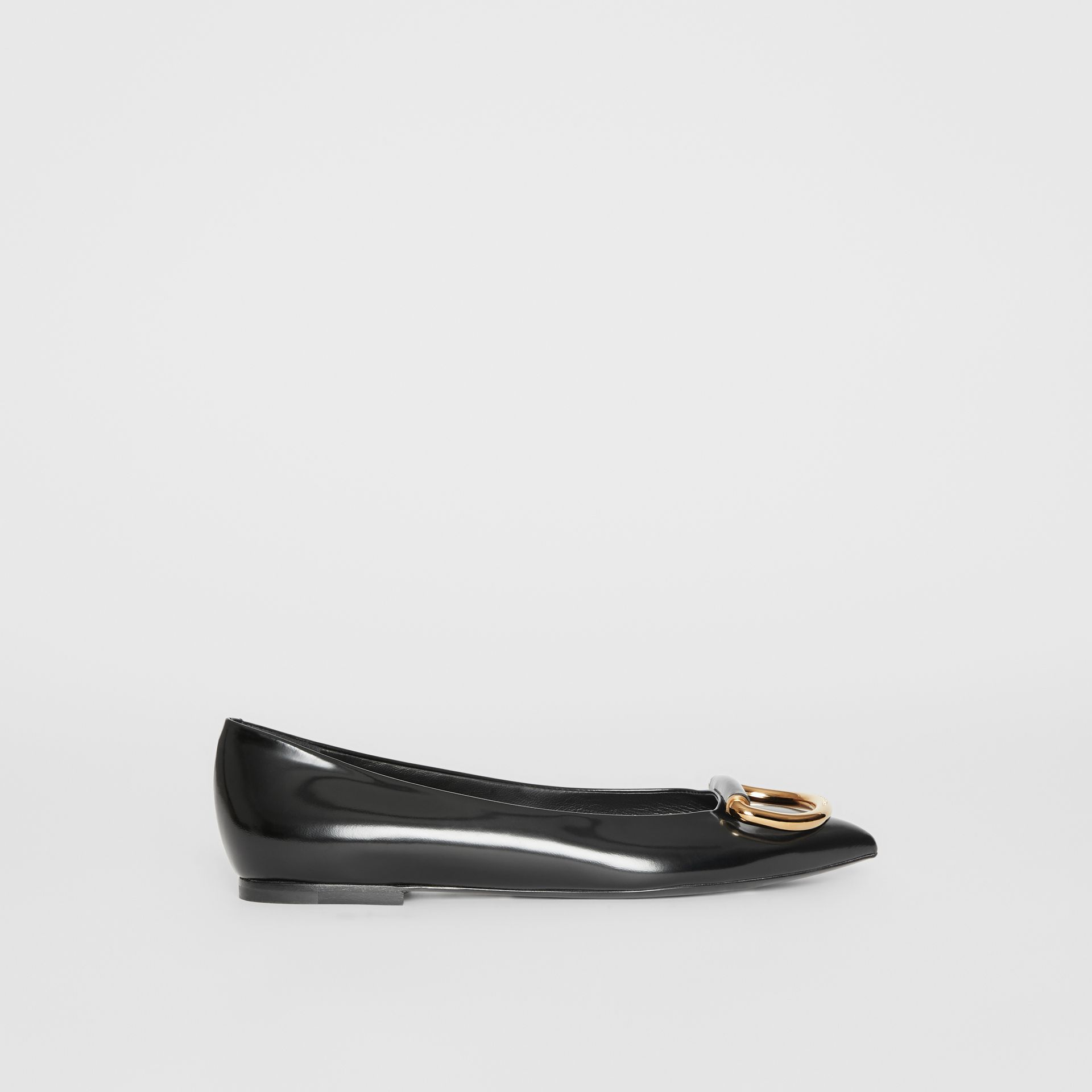 The Leather D-ring Flat in Black/gold - Women | Burberry - gallery image 5