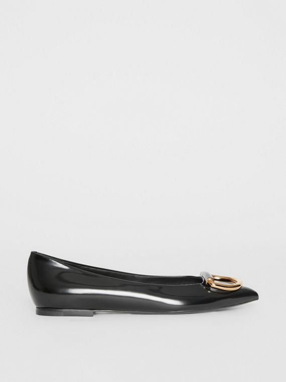 The Leather D-ring Flat in Black/gold