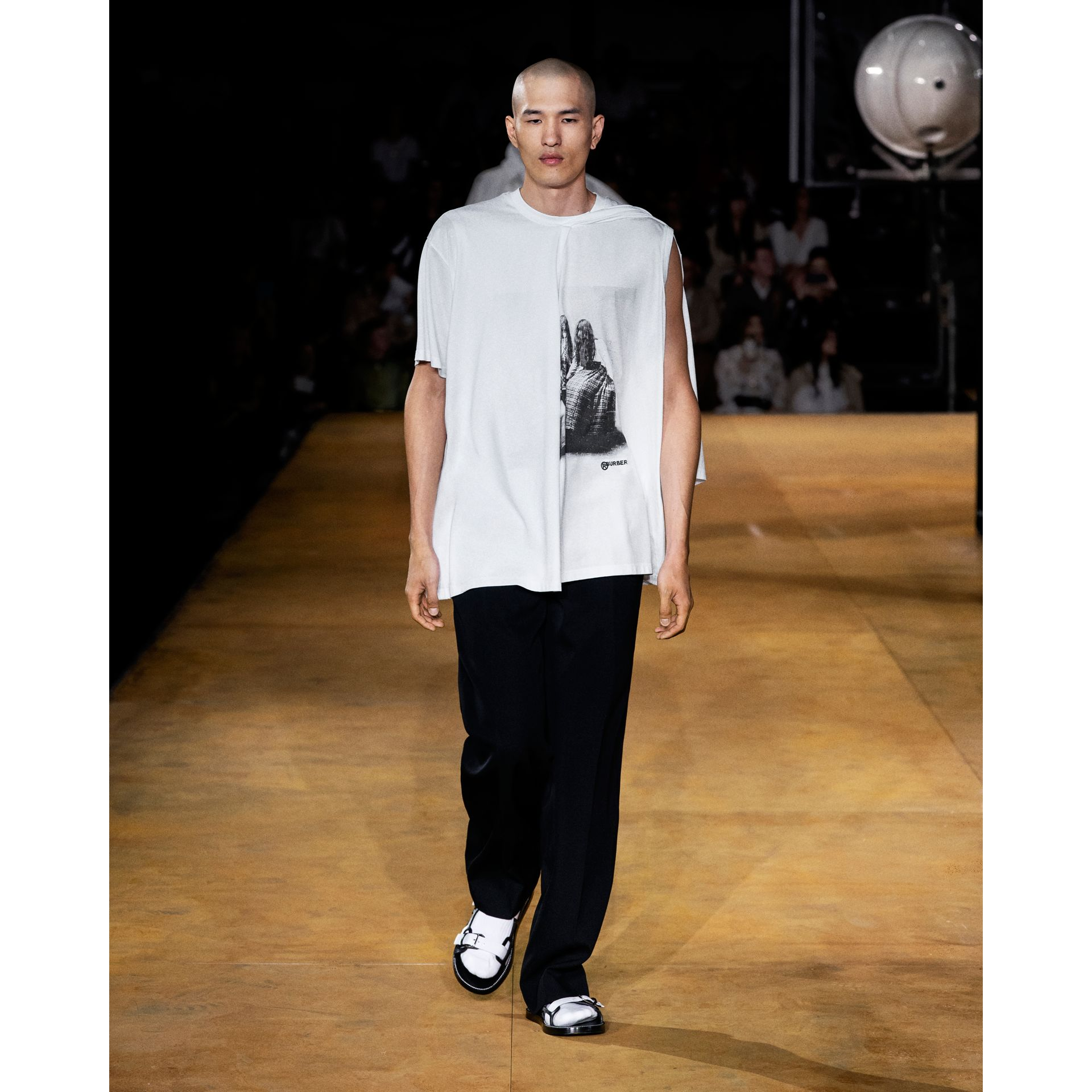 Victorian Portrait Print Cotton Oversized T-shirt in Optic White | Burberry - gallery image 7