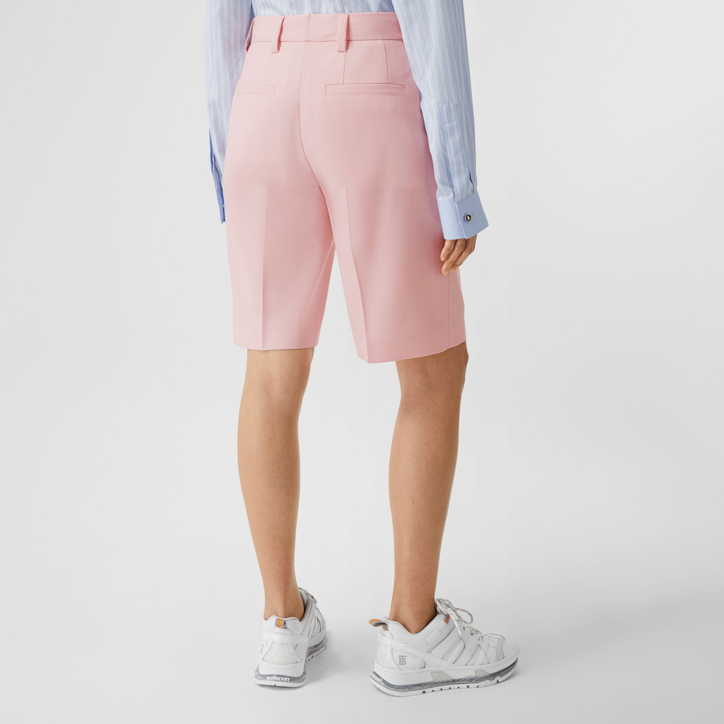 Pocket Detail Tumbled Wool Tailored Shorts in Soft Pink - Women | Burberry - 3