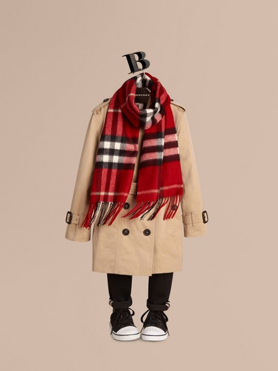 The Mini Classic Check Cashmere Scarf in Parade Red | Burberry - cell image 2