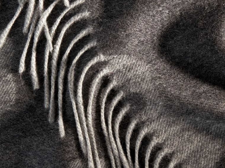 Mid grey print Animal Jacquard Cashmere Blanket Mid Grey Print - cell image 1