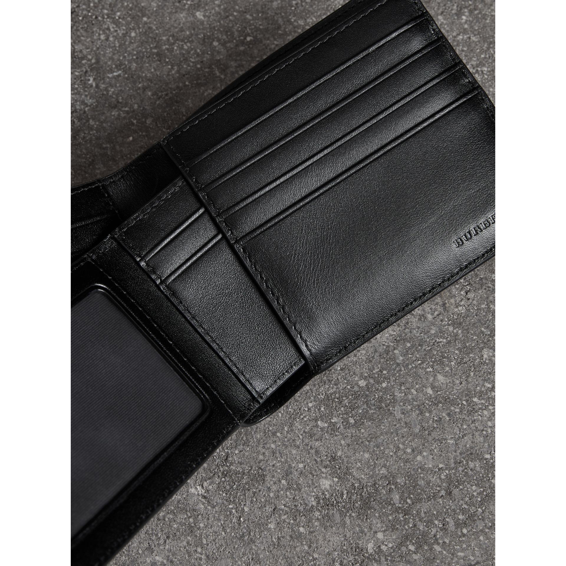 London Check Bifold Wallet with Removable Card Case in Navy/black - Men | Burberry Singapore - gallery image 3