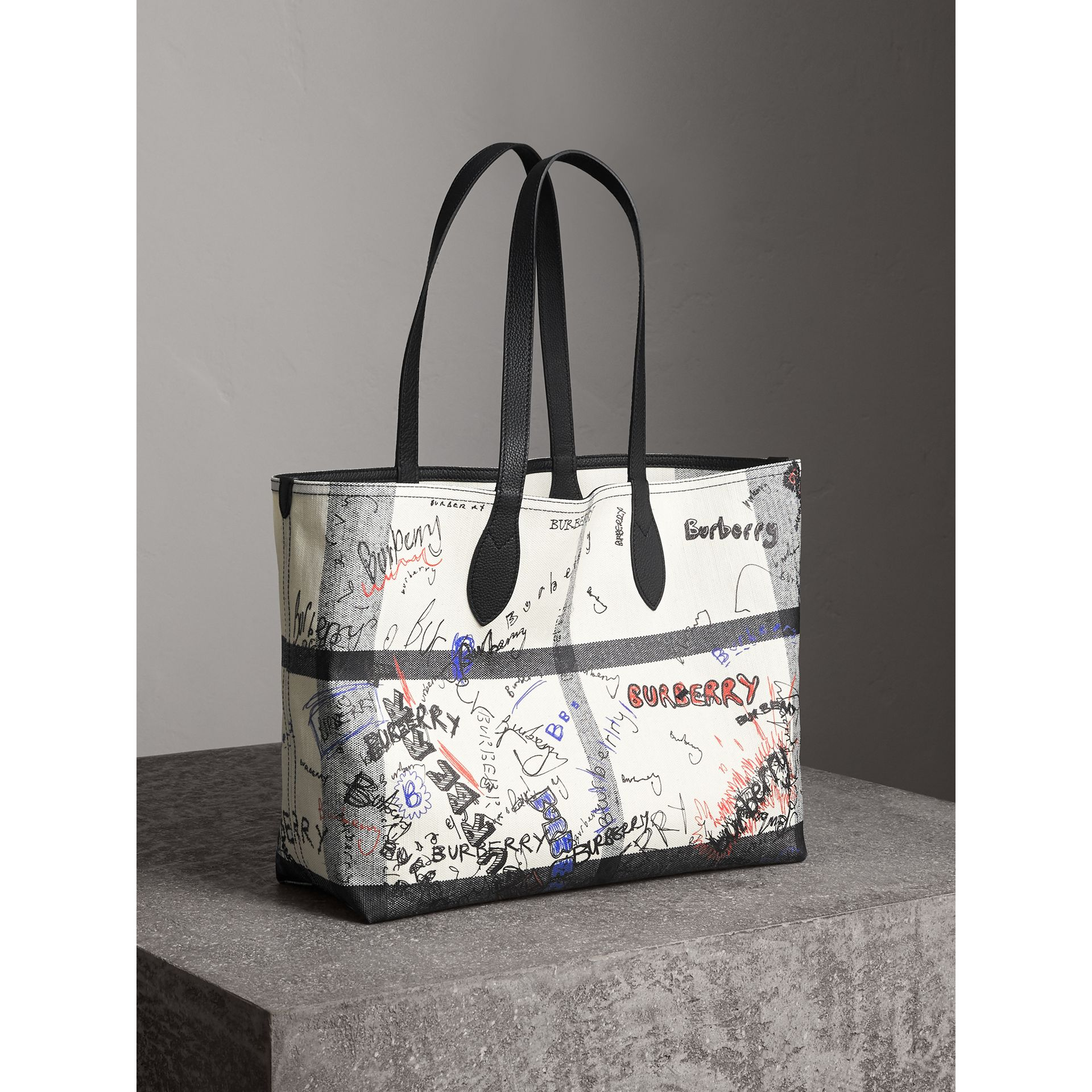 The Medium Reversible Doodle Tote in White/black | Burberry - gallery image 9