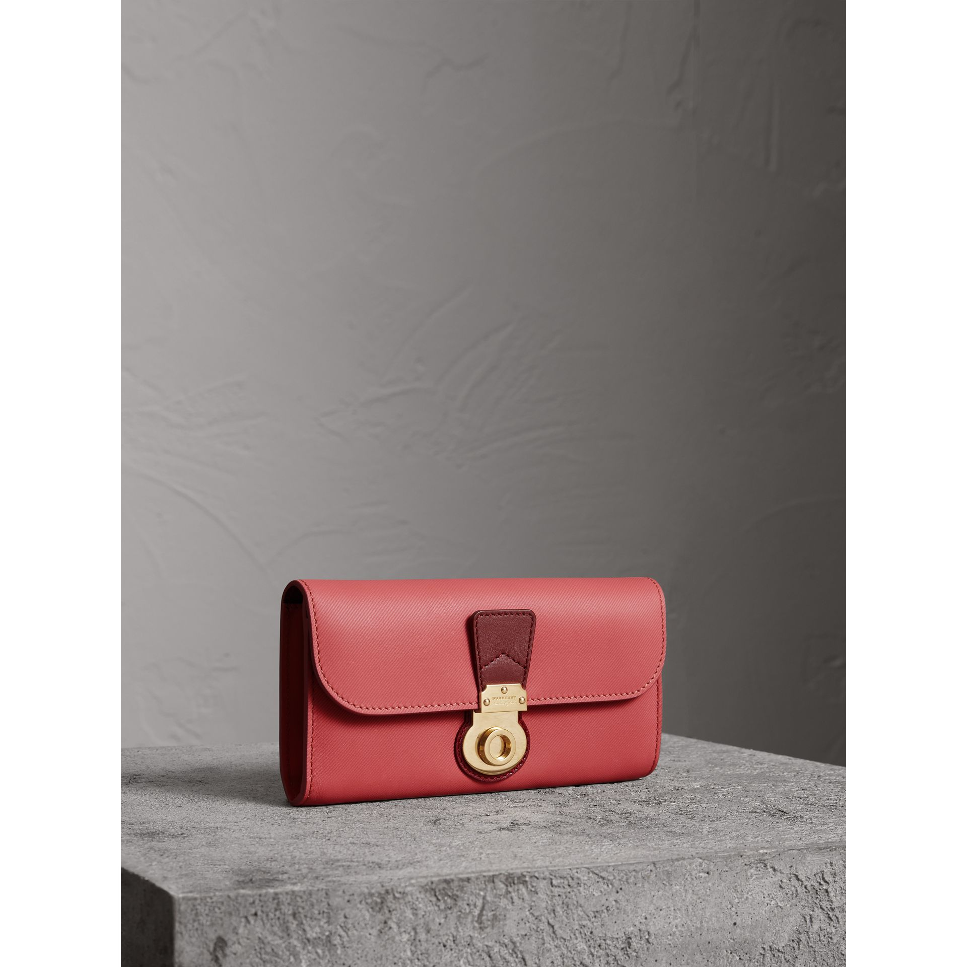 Two-tone Trench Leather Continental Wallet in Blossom Pink/antique Red - Women | Burberry United Kingdom - gallery image 0