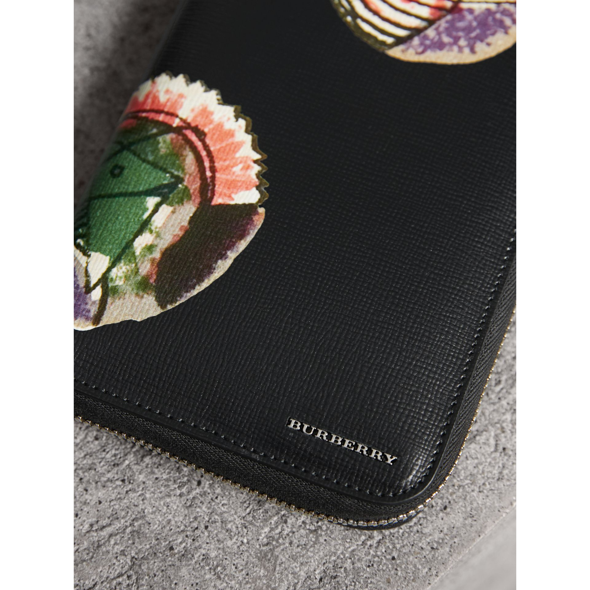 Pallas Heads Print London Leather Ziparound Wallet in Black - Men | Burberry - gallery image 1