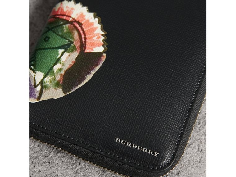 Pallas Heads Print London Leather Ziparound Wallet in Black - Men | Burberry - cell image 1