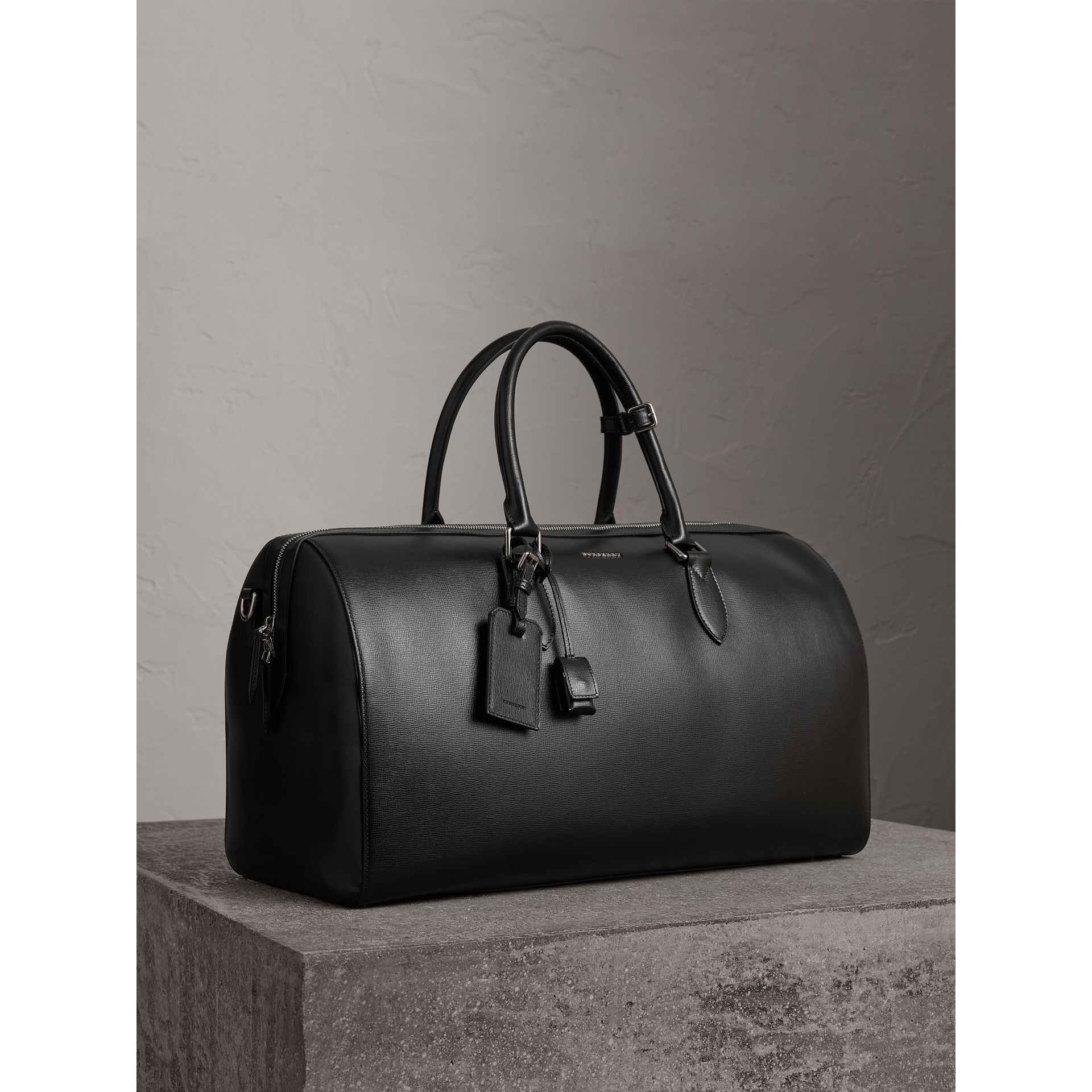 London Leather Holdall in Black | Burberry - gallery image 6