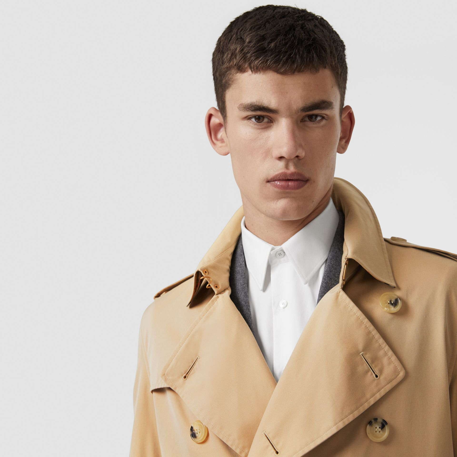The Long Kensington Heritage Trench Coat in Honey - Men | Burberry - gallery image 1