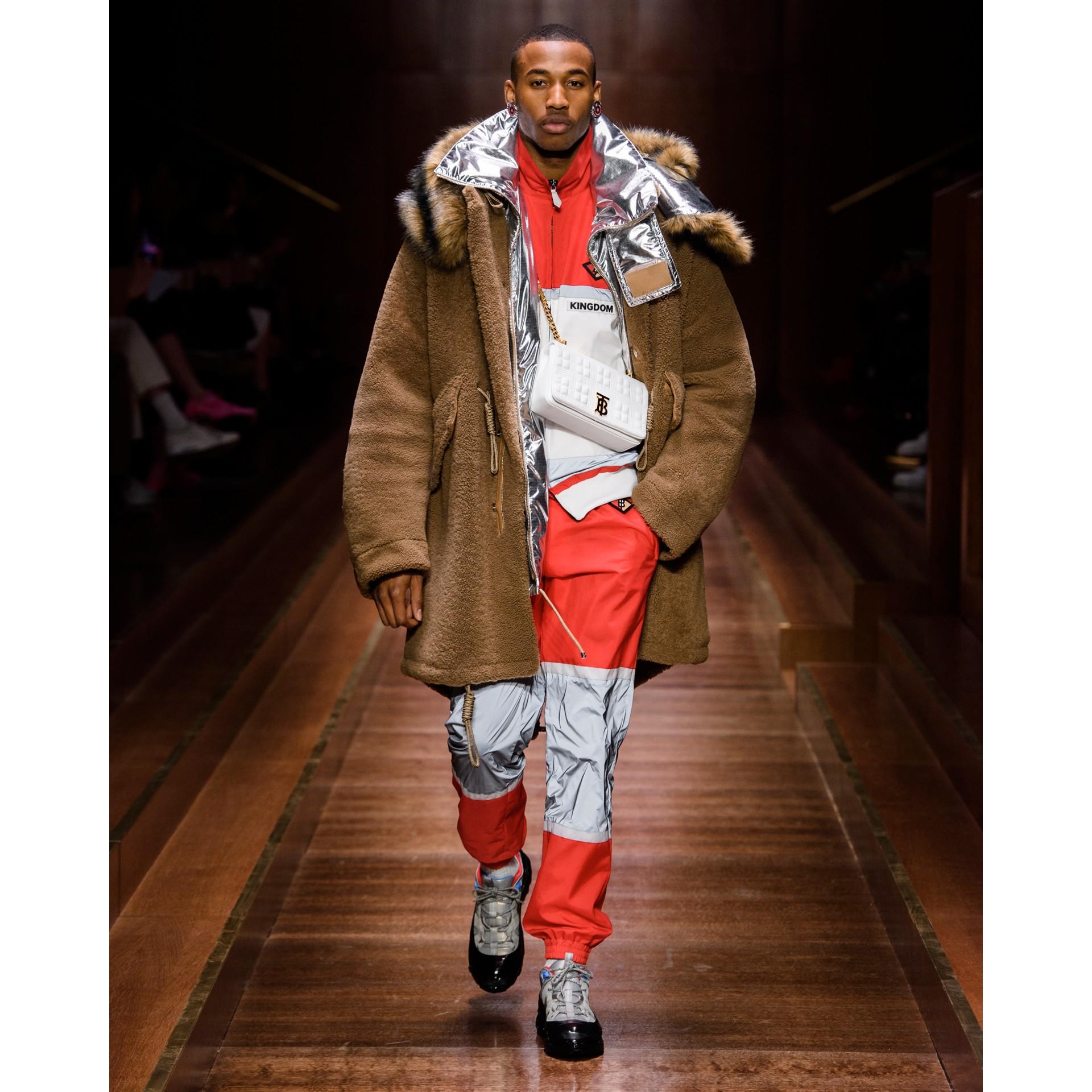 Giacca sportiva in nylon a righe con logo (Rosso Intenso) - Uomo | Burberry - immagine della galleria 6