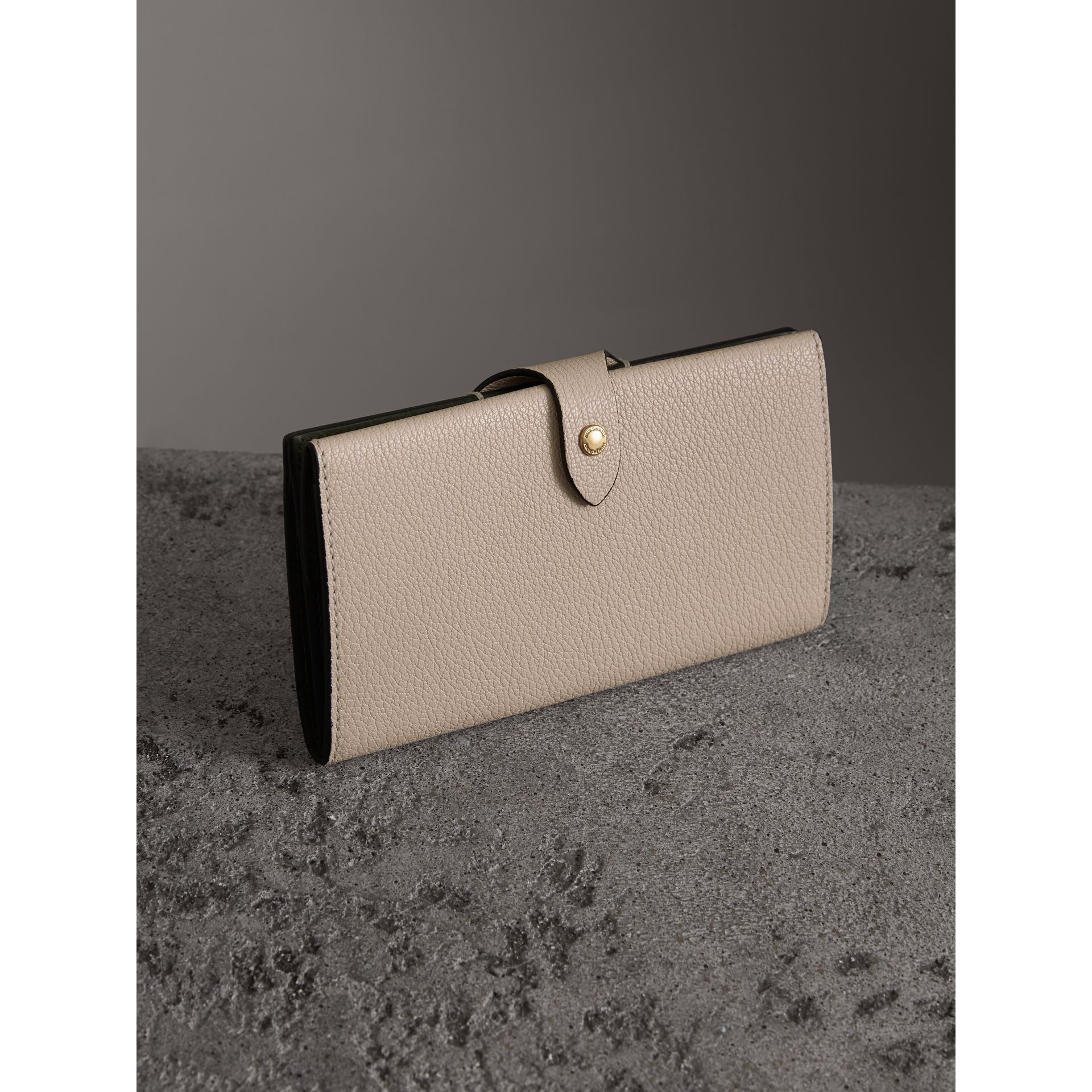Equestrian Shield Two-tone Leather Continental Wallet in Stone - Women | Burberry Singapore - gallery image 2