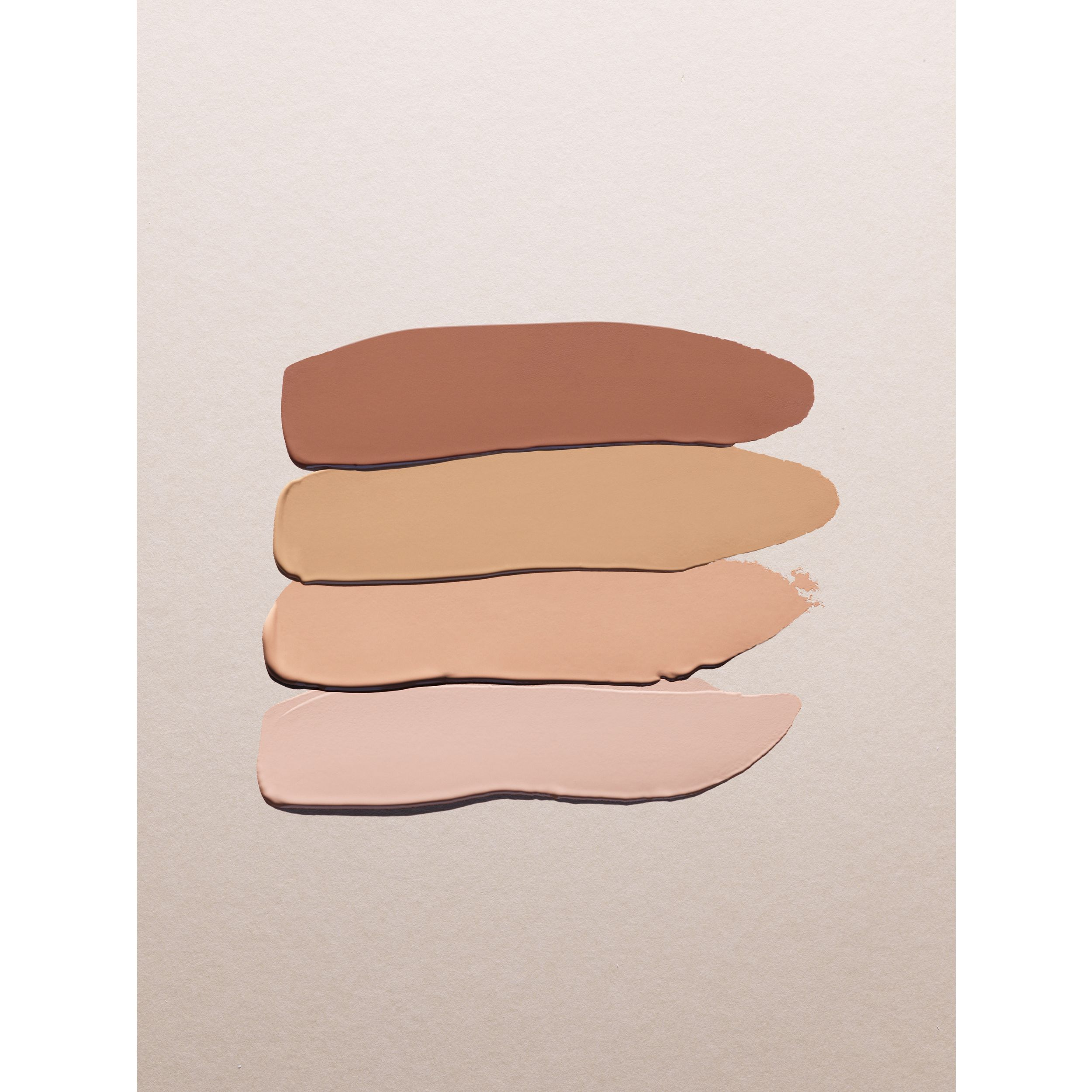 Base líquida Matte Glow – 120 Dark Neutral - Mulheres | Burberry - 4