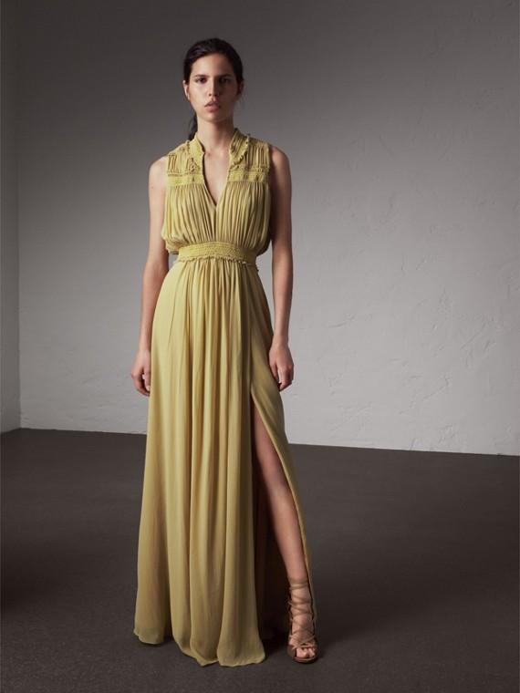 Vestido en georgette de seda con fruncidos (Amarillo Cardo)
