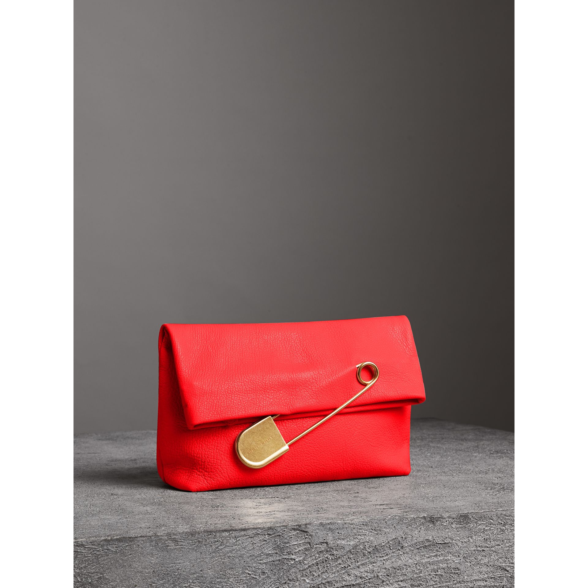 The Medium Pin Clutch in Leather in Bright Red - Women | Burberry United Kingdom - gallery image 6