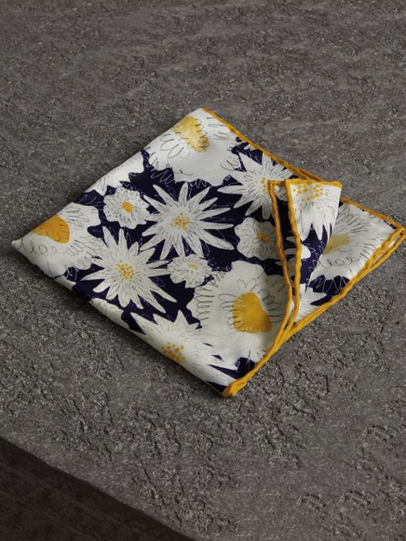 Daisy Print Silk Pocket Square in Navy