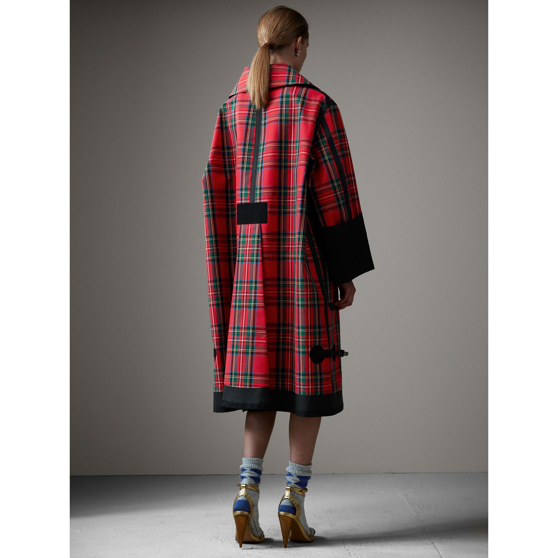 Tartan Bonded Cotton Seam-sealed Oversized Car Coat in Black - Women | Burberry - gallery image 3