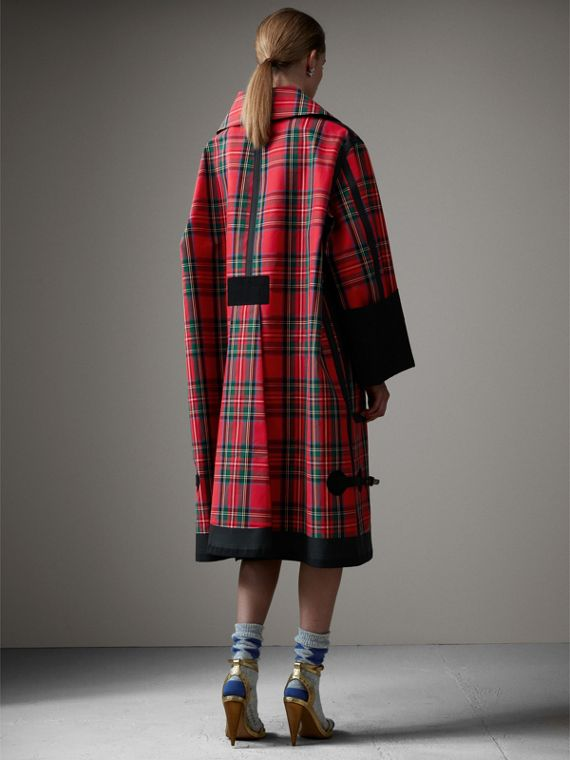 Tartan Bonded Cotton Seam-sealed Oversized Car Coat in Black - Women | Burberry United States - cell image 2