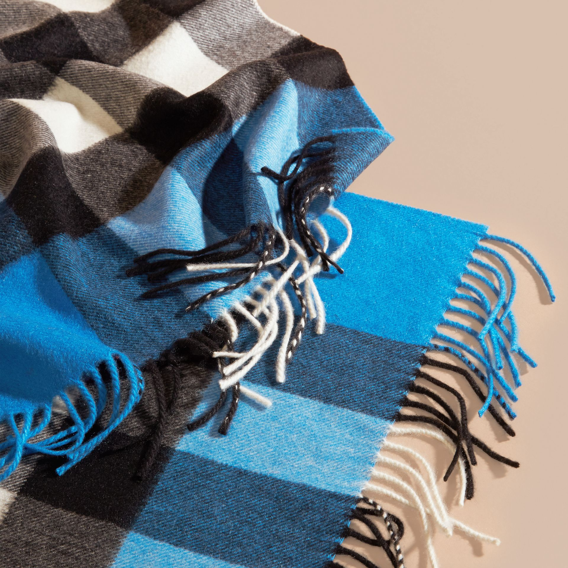 The Large Classic Cashmere Scarf in Check Bright Cornflower Blue - gallery image 5